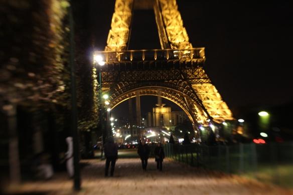 Lensbaby: Eiffel Tower 3